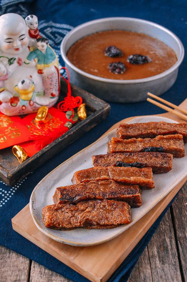 Китайское традиционное печенье из сладкого риса няньгао олицетворяет прогресс, продвижение и рост.
