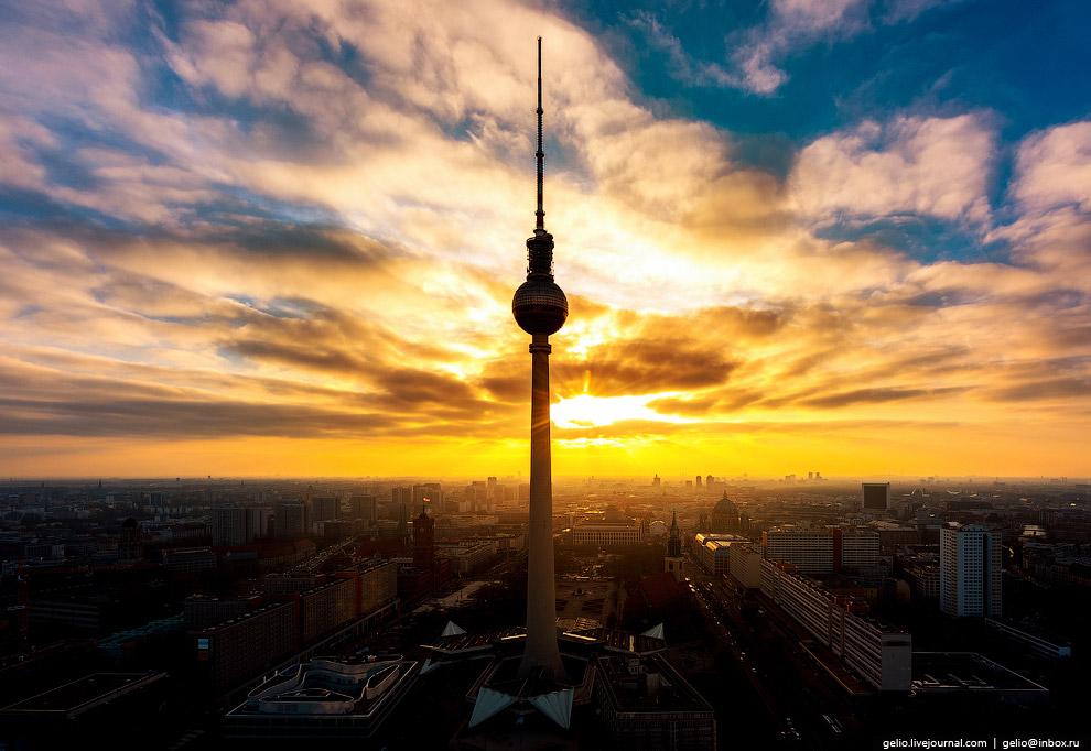 17. Крупнейшая протестантская церковь Германии, Берлинский кафедральный собор был построен в 18