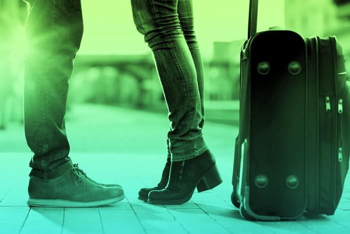Уезжаете вместе с другом или второй половинкой? Тогда почему бы не сэкономить место в чемоданах обои