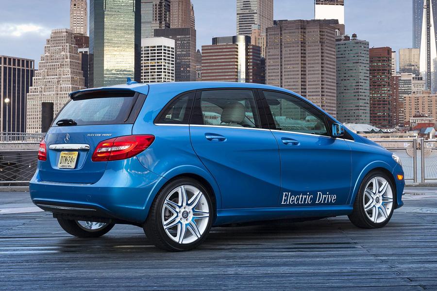 Подразделение Mercedes-Benz под названием Daimler готовит к производству по меньшей мере два электро