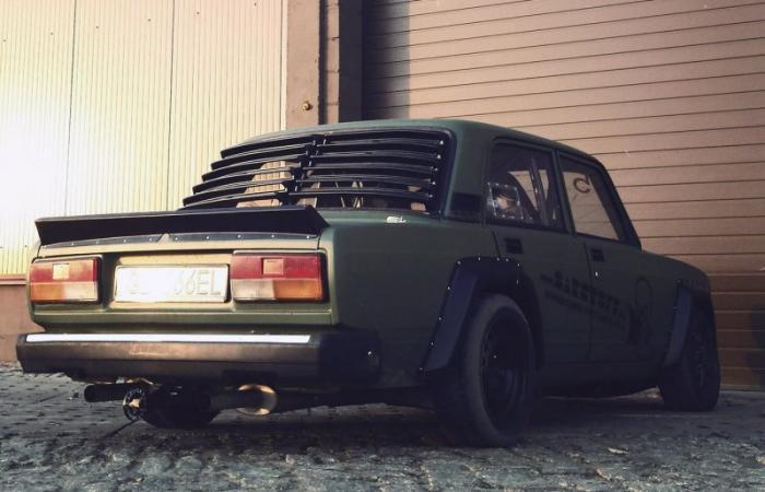Польский ВАЗ-2107 с двигателем V8 от BMW