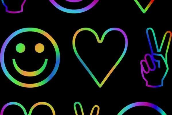Исследование показало, что фейсбук делает людей счастливыми