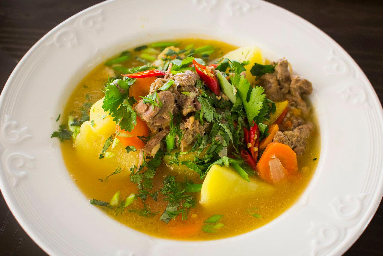 Шурпа с тушенкой из говядины – рецепт от шеф-повара