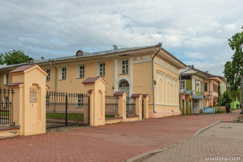 Дома вдоль Кремлевской площади, Вологда