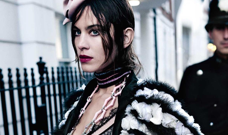Алекса Чанг / Alexa Chung by Mario Testino - Vogue UK june 2017