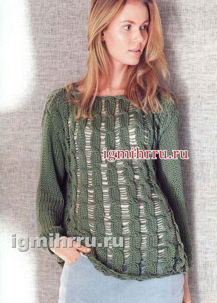 Зеленый пуловер с узором из спущенных петель. Вязание спицами