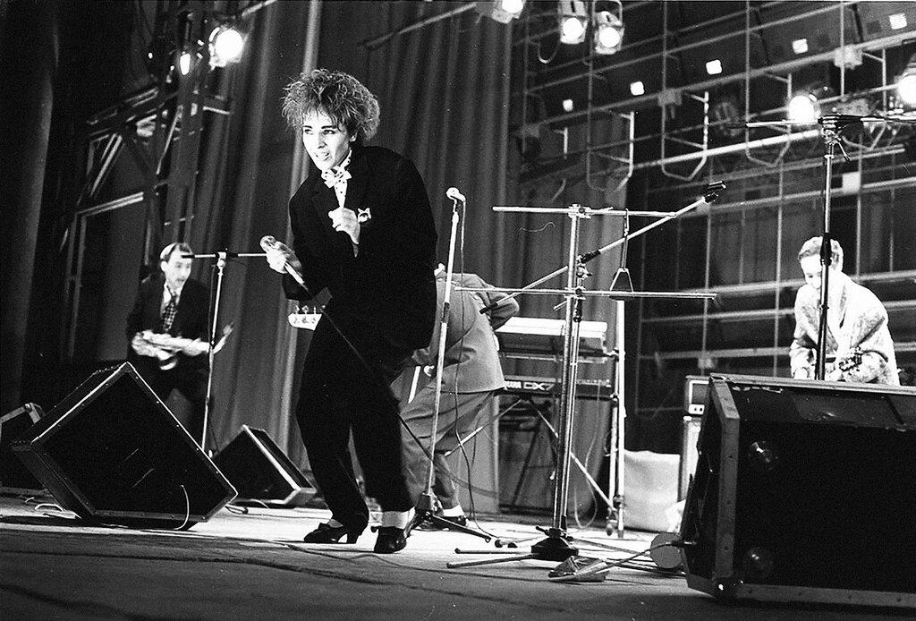 Андрей Безукладников. Концерт группы «Браво», 1988.jpg