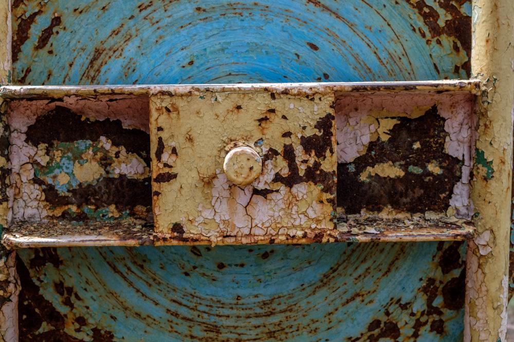барабан ржавый, старый из СССР