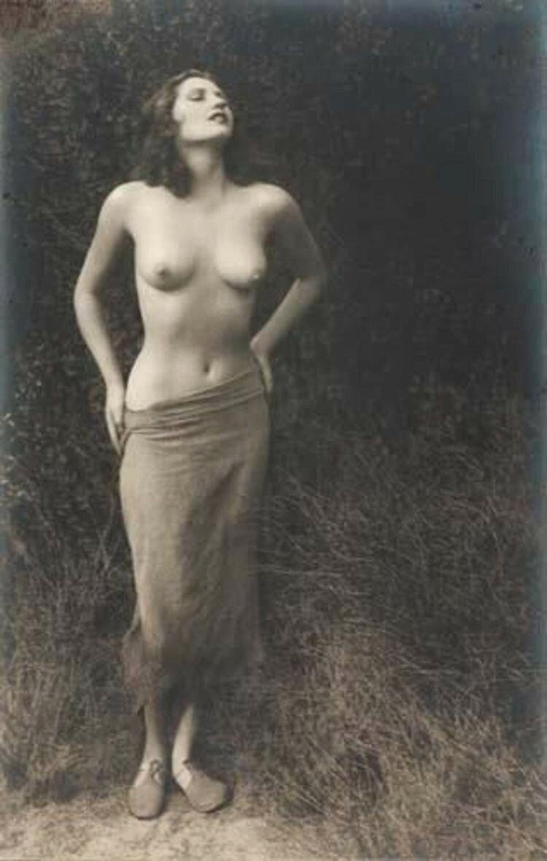 1936. «Мадонны и монстры». Золушка