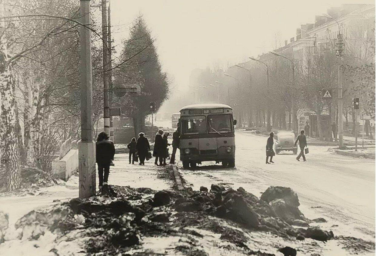 1980. Перекрёсток Новомытищинского проспекта и ул. Колпакова