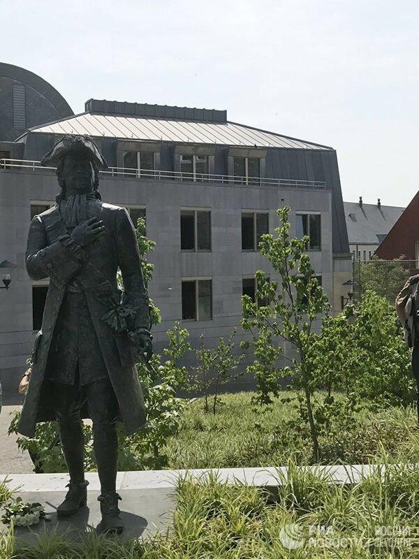 В бельгийском Льеже открыли памятник Императору Петру Великому