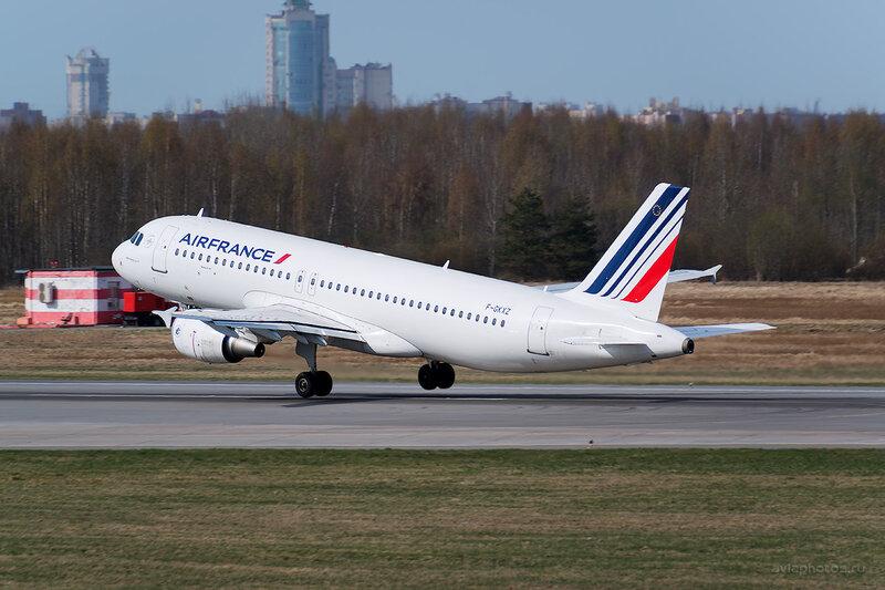 Airbus A320-214 (F-GKXZ) Air France D804200