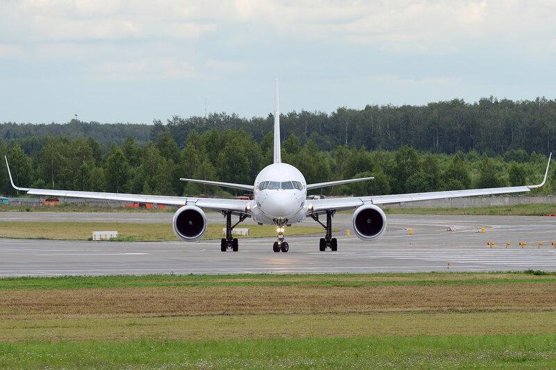 Информация.  VQ-BKF Boeing 757-2Q8 cn 26268/590.  AMA. эксплуатанты - Aeromexico (XA-SMJ), Aeromexico (N803AM)...