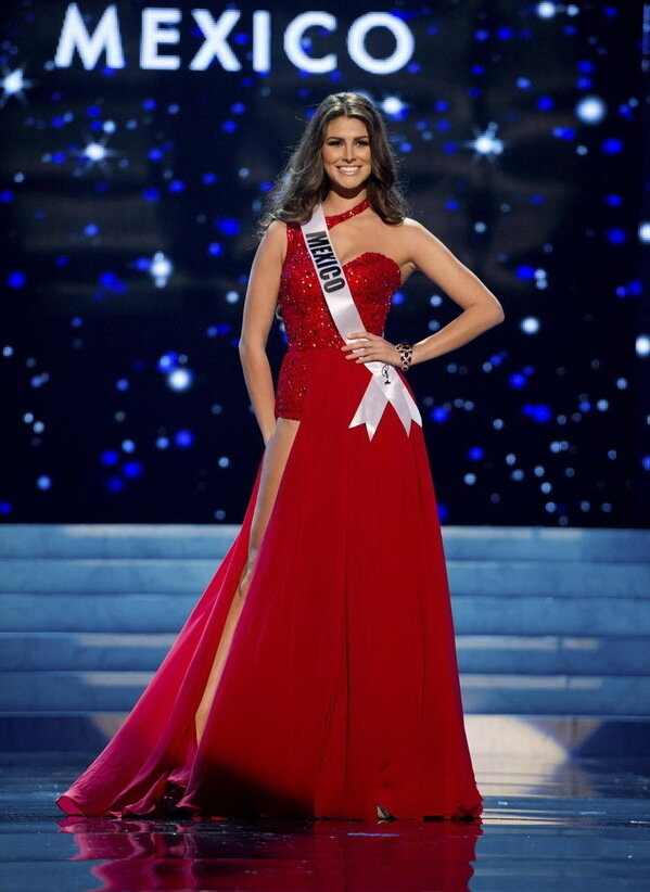 ������ �������� ���� ������� 2012... Miss Mexico 2012 Gonzalez competes in an evening gown of her choice during the Evening Gown Competition of the 2012 Miss Universe Presentation Show in Las Vegas