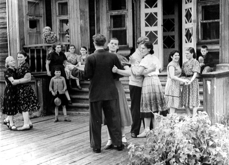 Танцы в Маймаксе 50-е годы 800.jpg