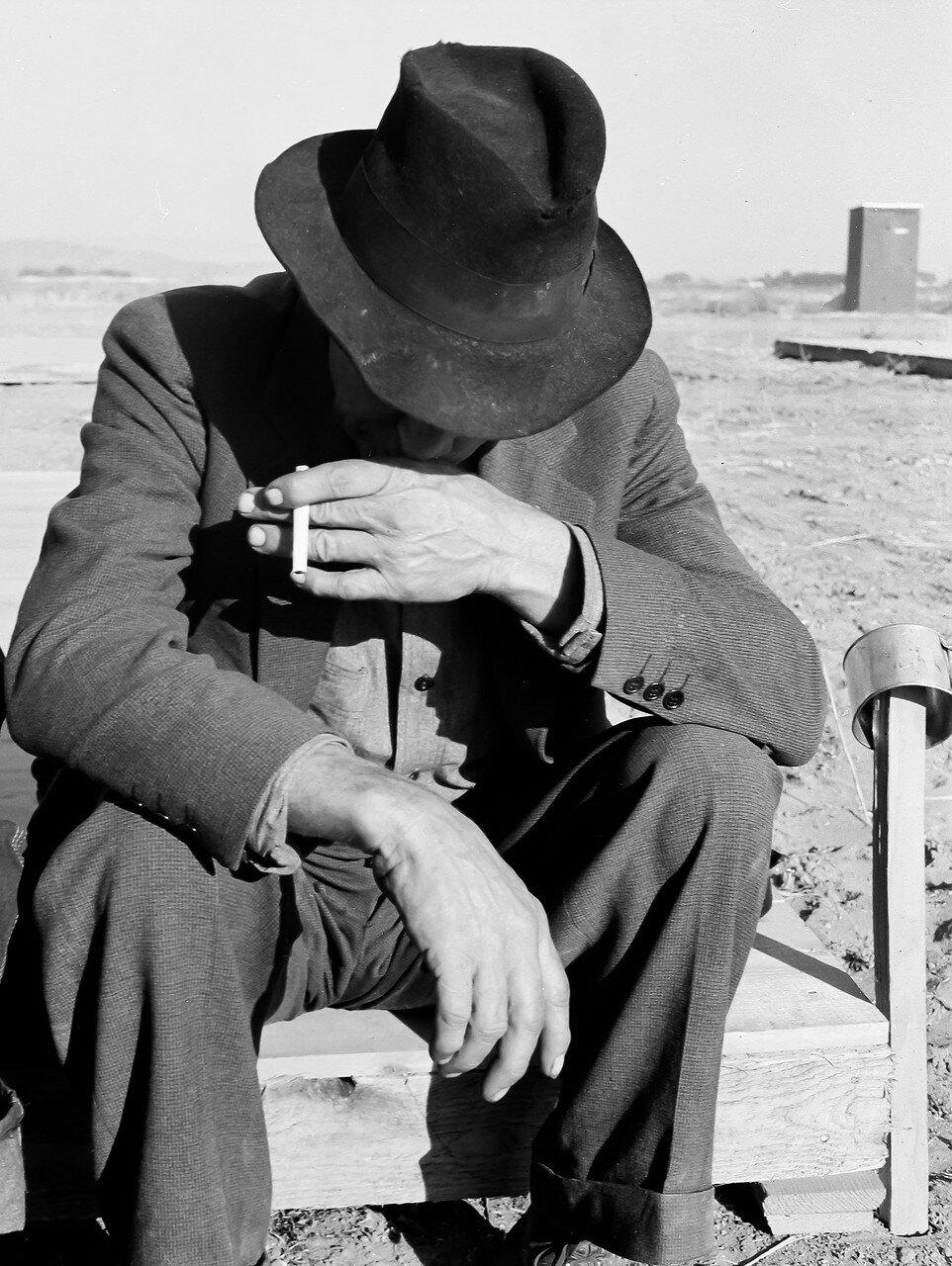 1939. Бывший фермер из Небраски, сейчас мигрант. Орегон
