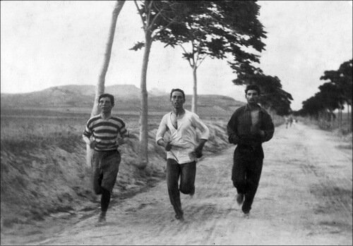 Замечательная история о первых марафонцах