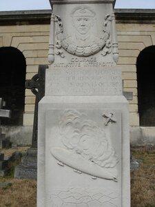 Мемориал Реджинальда Варнефорда ( ReginaldWarneford ).
