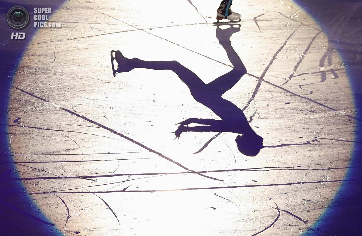 Япония. Фукуока. 8 декабря. Мария Сотскова из России в Финале Гран-при по фигурному катанию. (RE