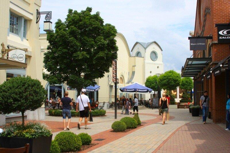 На улицах торговой деревни