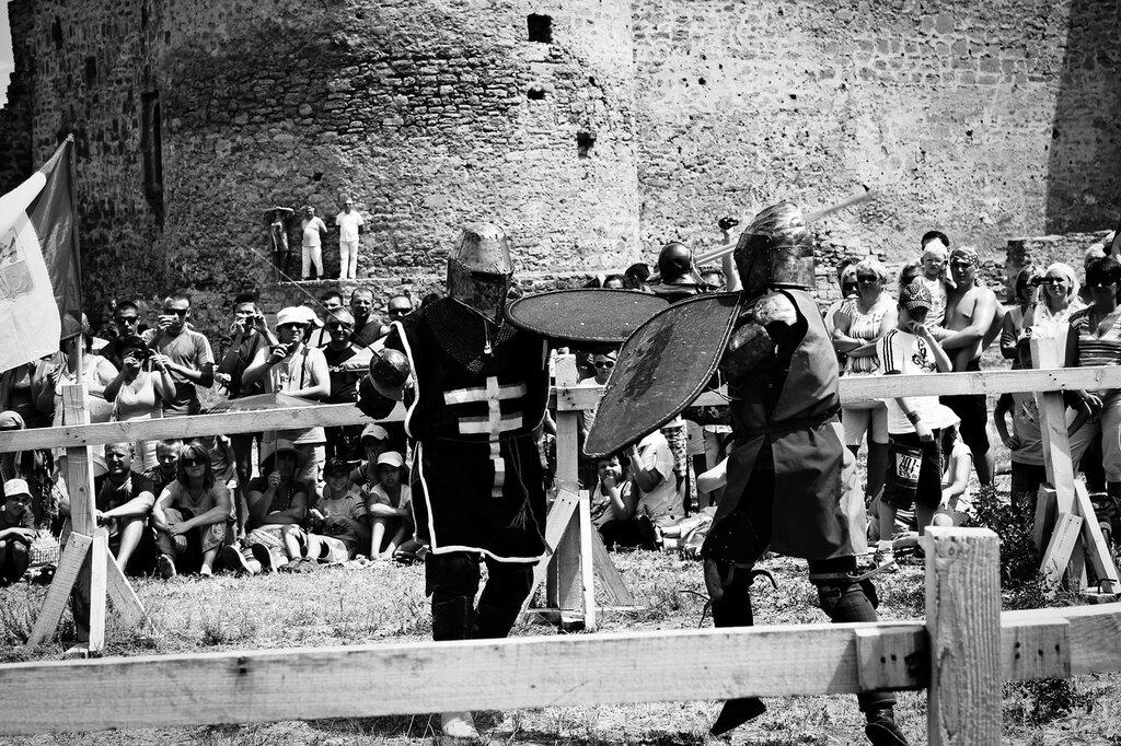 Рыцарский бои  в Белгород-Днестровская крепости