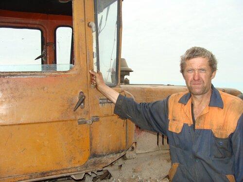 Механизатор из деревни Сидорково
