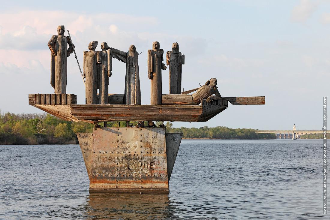 Теперь до Ростова-на-Дону пойдем по петляющему неширокому Дону