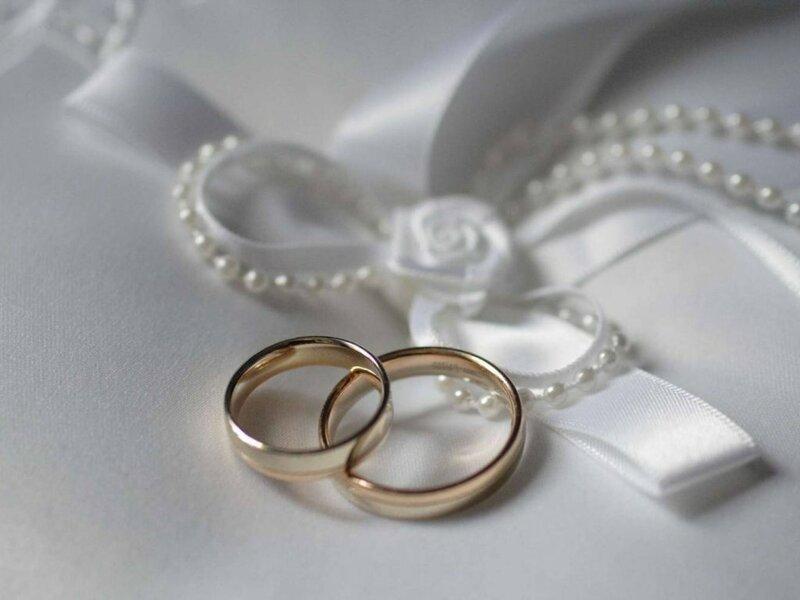 Что лучше надеть на свадьбу