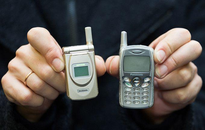 В Центральном музее связи имени А. С. Попова соберу старые мобильники