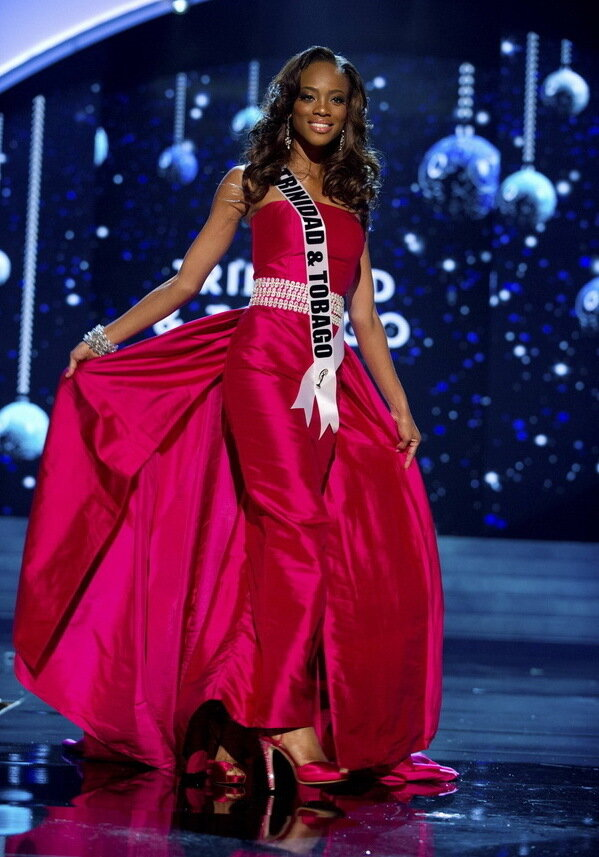 ������� ���� �� ��������� � ������... Miss Trinidad and Tobago 2012 Mark competes in an evening gown of her choice during the Evening Gown Competition of the 2012 Miss Universe Presentation Show in Las Vegas