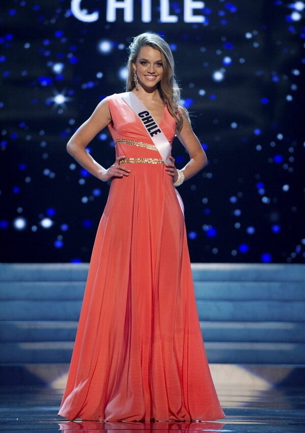 ��� ����� ʸ���  - ����  ����... 2012... Miss Chile 2012 Konig competes during the 2012 Miss Universe Presentation Show in Las Vegas