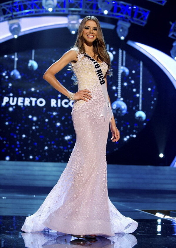 ����� ʸ���... ������-����... 2012...  Miss Puerto Rico 2012 Koehler competes in an evening gown of her choice during the Evening Gown Competition of the 2012 Miss Universe Presentation Show in Las Vegas