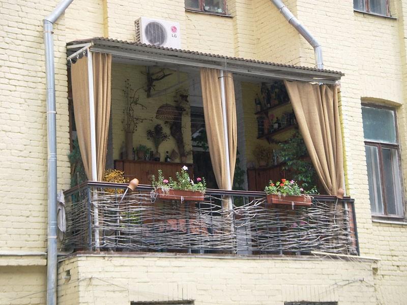 Как отделать незастекленный балкон..
