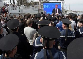Владимир Путин наградил более 300 работников СМИ за объективность