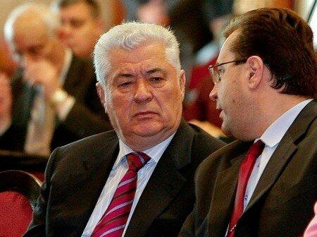 Воронин считает, что ушедших из ПКРМ депутатов - подкупили