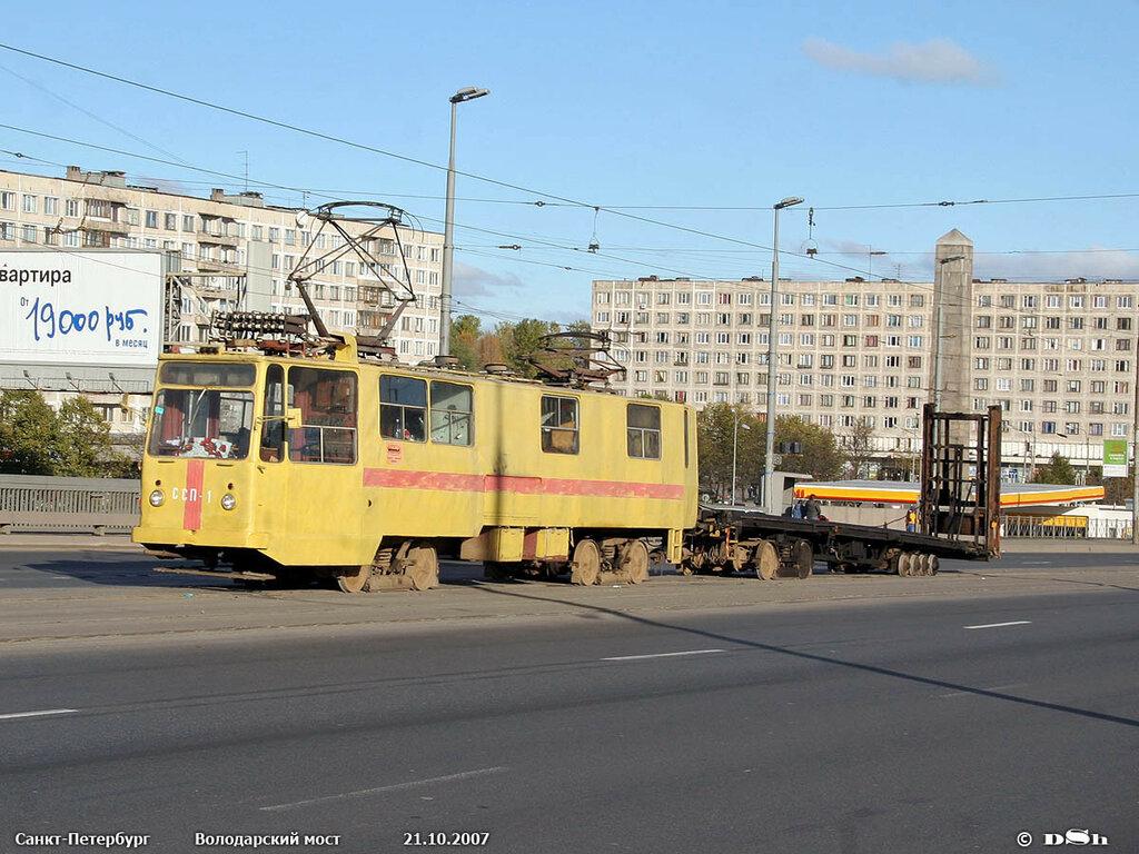 Вагон-тягач ССП-1 — ТС-52 с платформой для транспортировки ВПРС-500. СПб, 2007