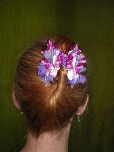 Поделка, изделие, Украшение Цумами Канзаши: Цветы из лент.