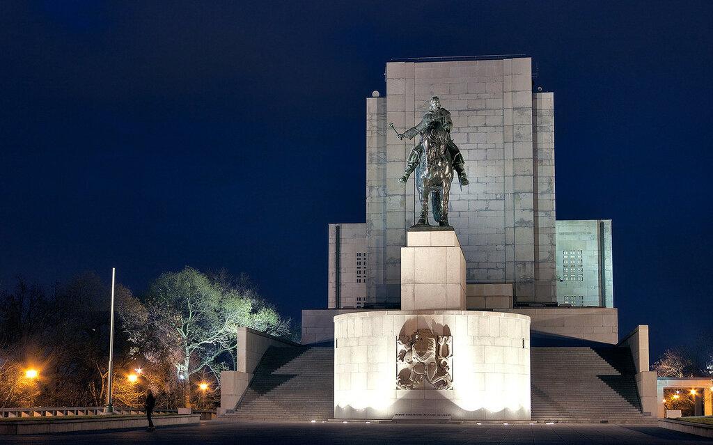 Национальный памятник на Виткове (Národní památník na Vítkově)