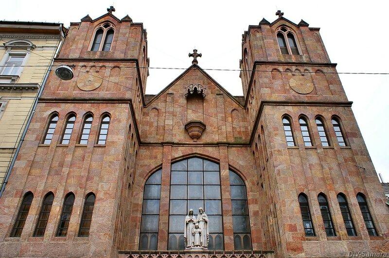 Церковь Святого Семейства в Будапеште