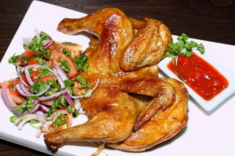 Цыплята с соусом из помидоров и грецких орехов