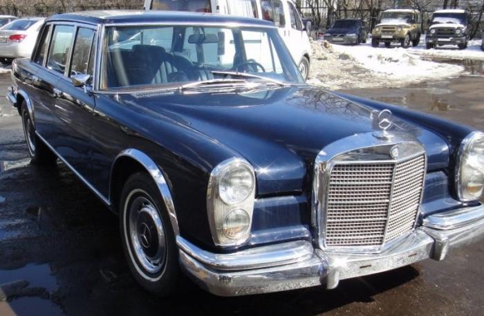 Этот автомобиль стал символом высшей роскоши и престижа своей эпохи. Большая часть владельцев &mdash
