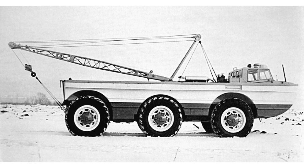 Для повышения проходимости в 1981-м на шасси ПЭУ-1 был собран оригинальный вездеход ПЭУ-1Р с турборе