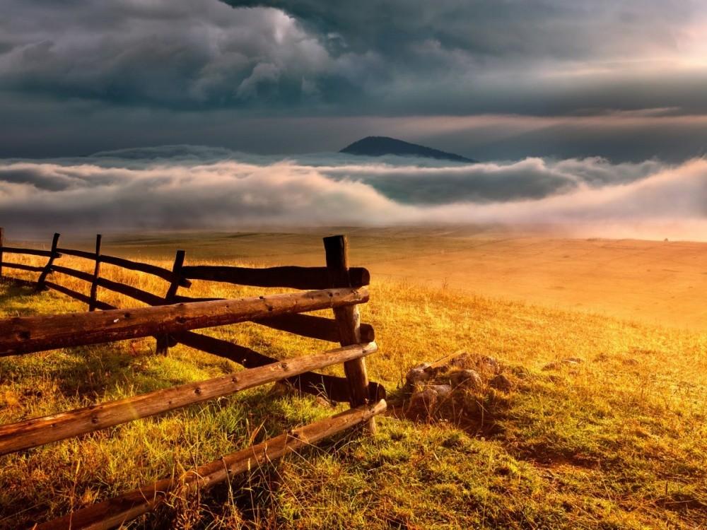 В пустынном и диком краю на севере страны можно пройти десятки километров, не встретив ни одного чел