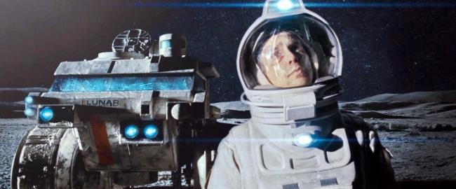 25. Луна 2112 Сэм три года провел на Луне в полном одиночестве, в компании лишь говорящего робота ГЕ