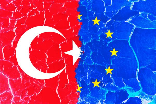 Могерини: «Евросоюз достаточно серьезно обеспокоен событиями вТурции»