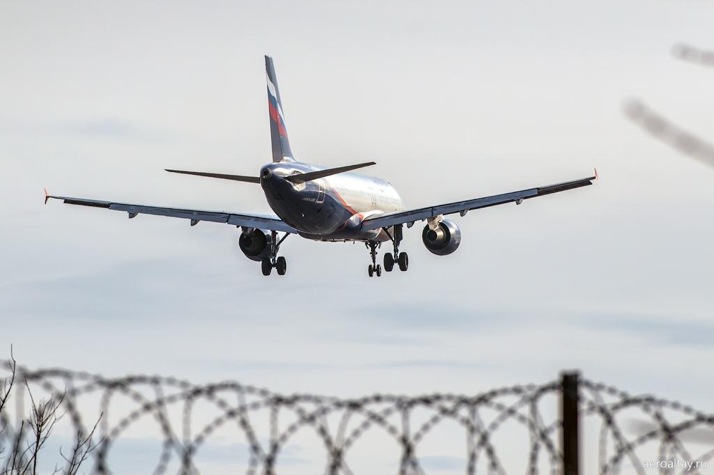 Эирбас А 320 VP-BQW Аэрофлота в Барнауле