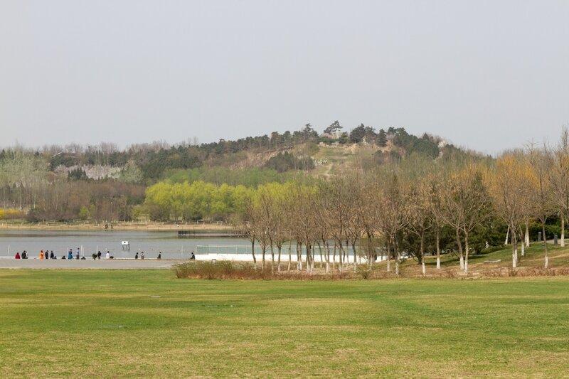 Озеро и гора, Олимпийский парк, Пекин