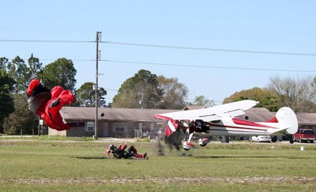 Фотографии столкновения парашютиста и самолета 0 133528 a07b4421 orig