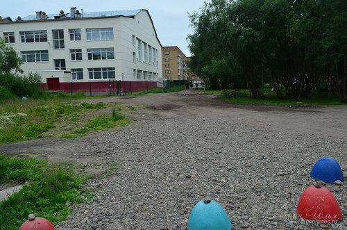 Фотография Инты №8044  Северо-западный угол Куратова 32 (школа №8) 02.07.2015_17:00