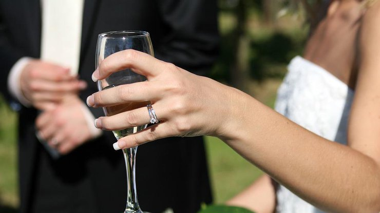 Жених жестоко отомстил невесте прямо на свадьбе (1 фото)